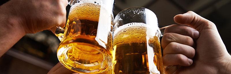 beber-cerveja-de-graca-viajando-pelo-mundo-faixa